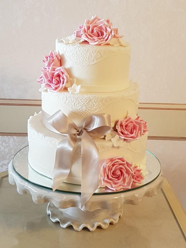 Hochzeitstorte 3stöckig mit Rosen