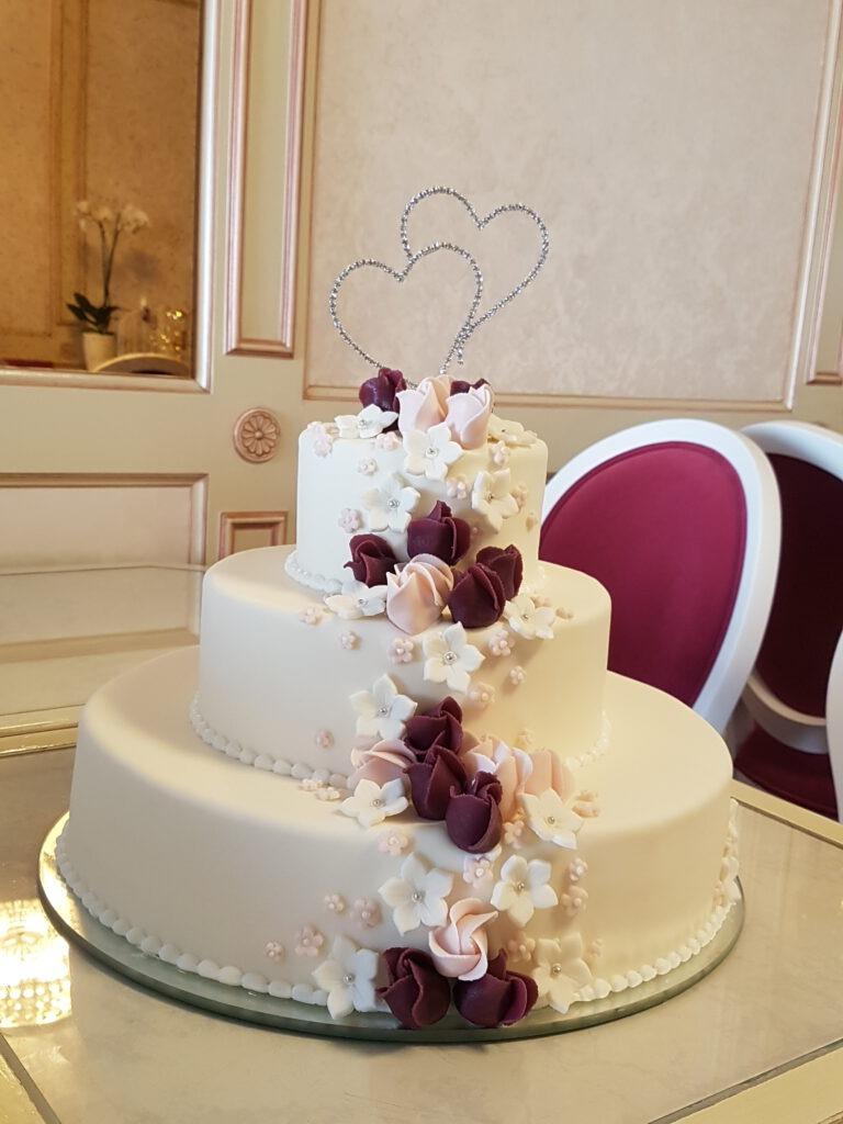 Hochzeitstorte 3stöckig mit Blumen