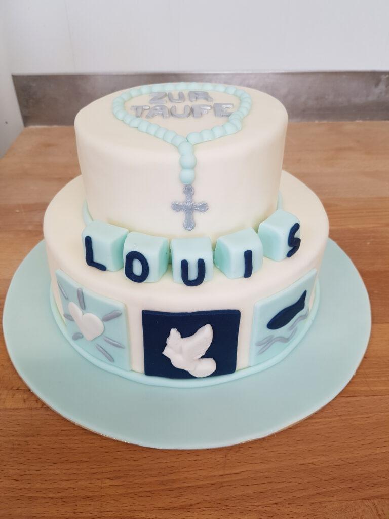 Torte zur Taufe mit Symbolen und Rosenkranz