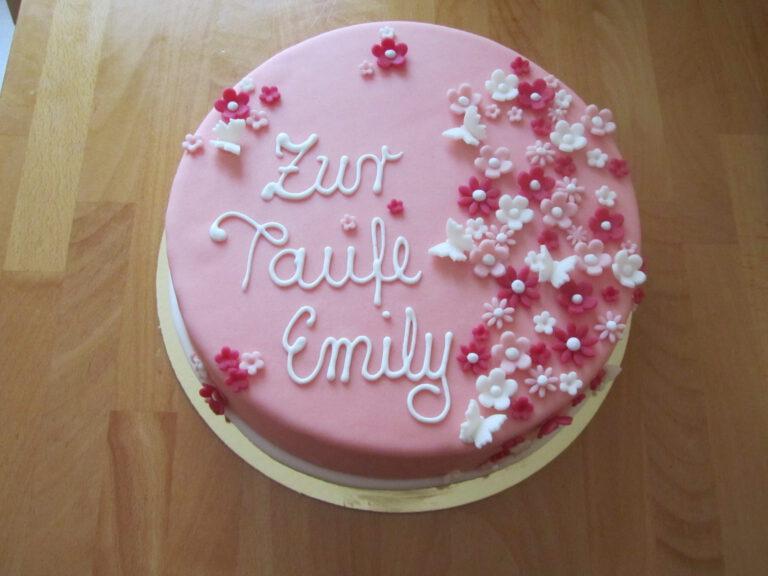 Torte zur Taufe mit pinken Blumen